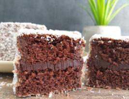 kokosove kocke za čokoholike čupavci recept prerez