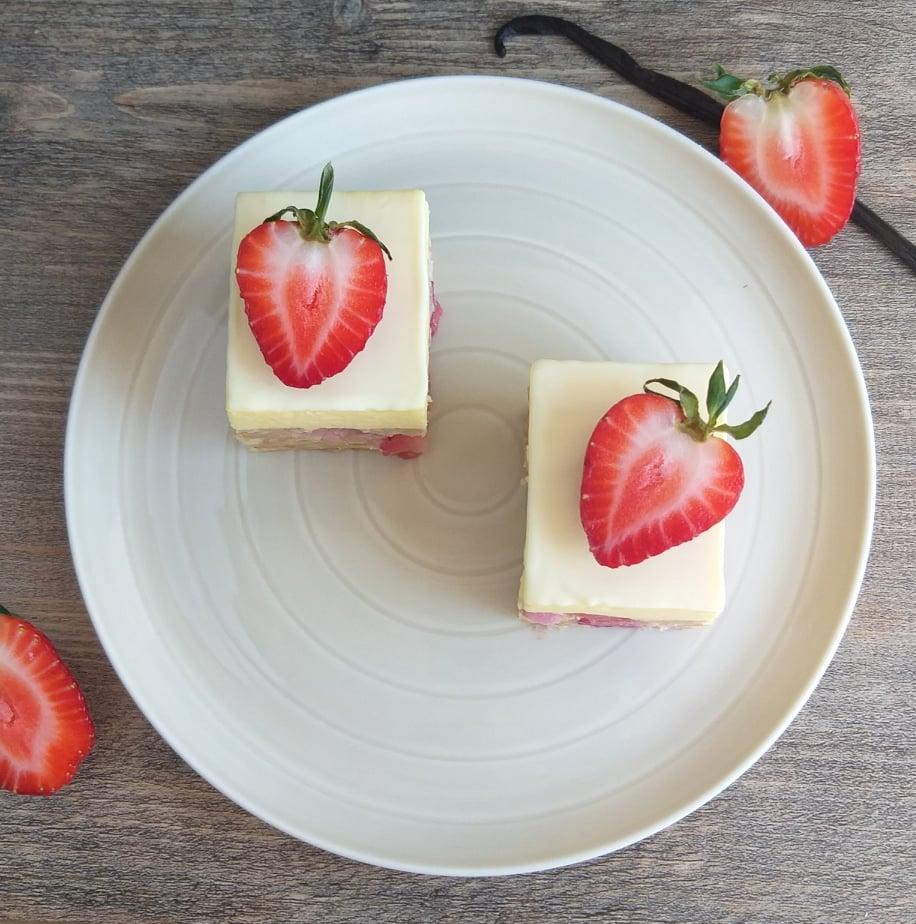 zdrobljene vaniljine rezine z jagodami recept slika zgoraj