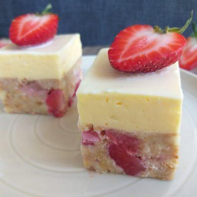 zdrobljene vaniljine rezine z jagodami recept slika