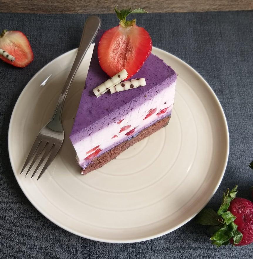 jagodno borovničeva torta zgoraj recept slika