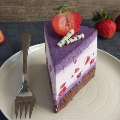 Jagodno borovničeva torta recept naslovna