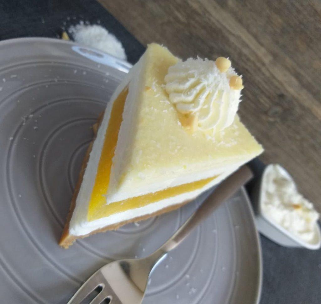 kokosovo mangova torta brez peke slika sredina 2