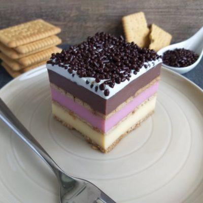 pudingovo piškotne kocke babicina torta slika recept prikazna