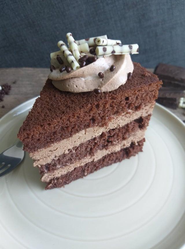 čokoladna torta slika recept sredina