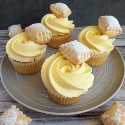 kremšnita cupcakes recept naslovna slika
